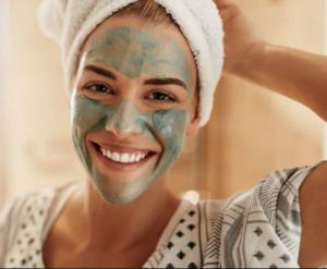 Faça-o você mesmo máscara para pele oleosa, limão e também de barro
